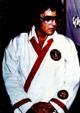 http://billslater.com/elvis_in_gi.jpg